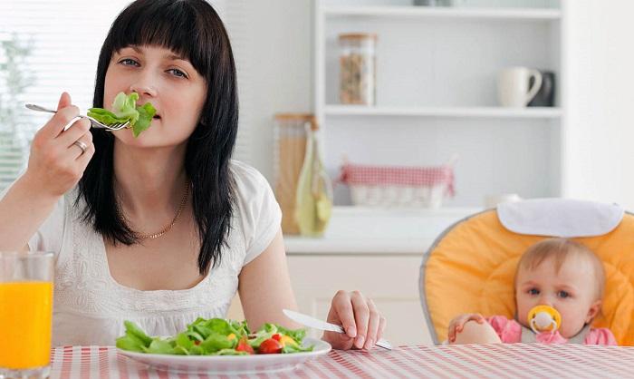 dieta-kormyashchej-materi-m